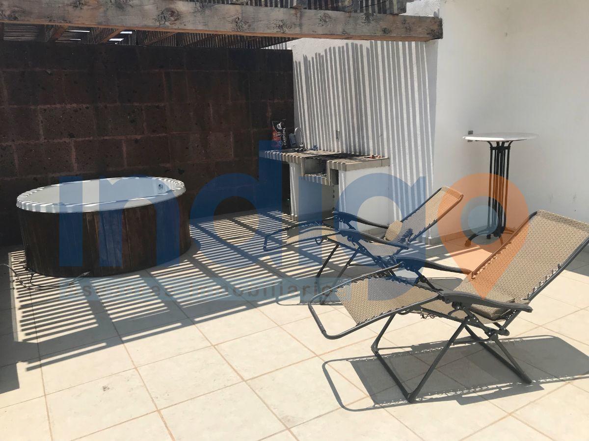 22 de 26: Terraza con Jacuzzi (Sun Roof)