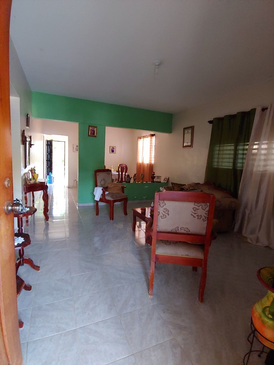 Casa con Amplio Terreno Sector Los Espinoimage16