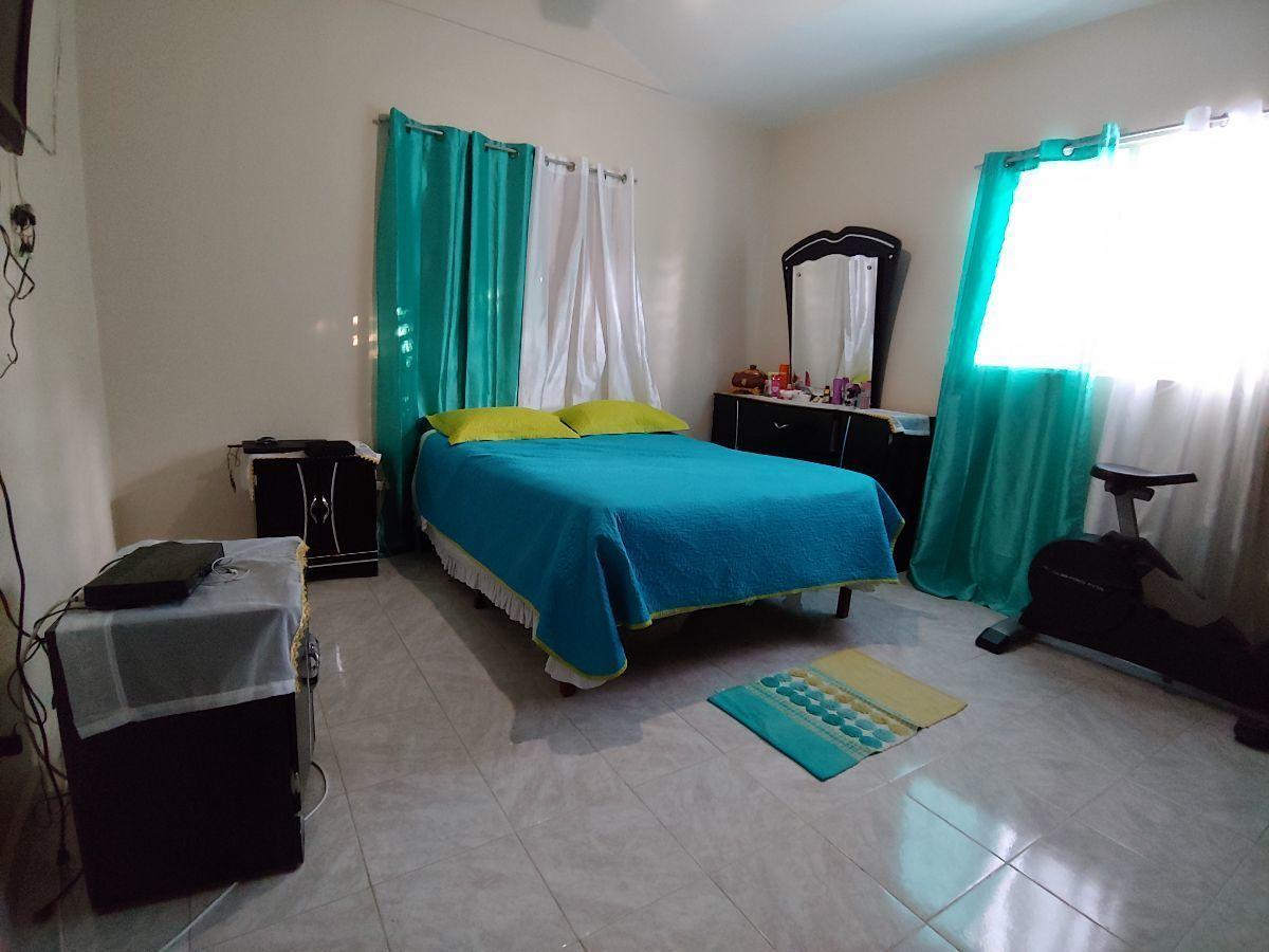 Casa con Amplio Terreno Sector Los Espinoimage18