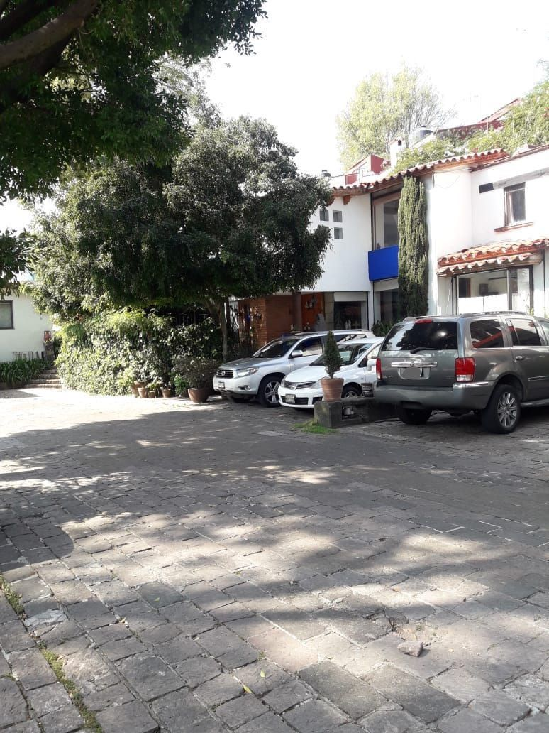 18 de 18: Área común y estacionamiento