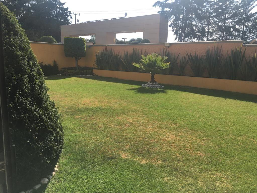 13 de 17: Jardín interior