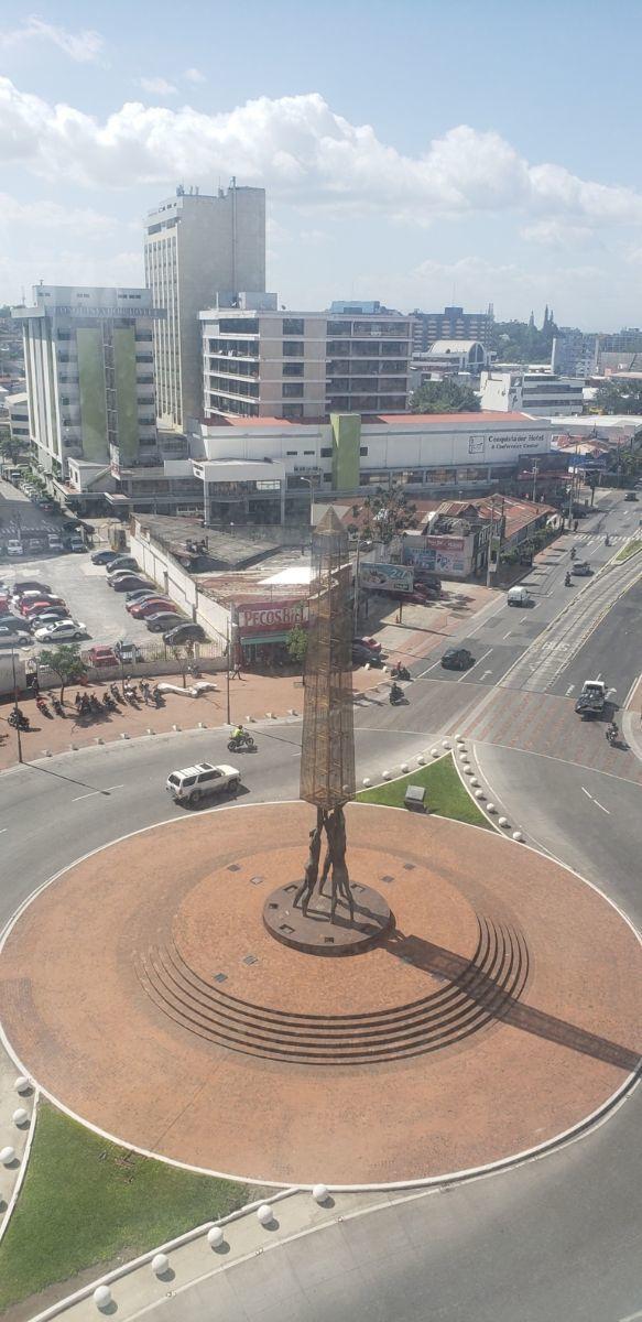 6 de 6: Vista de la Plaza Américas en z. 4