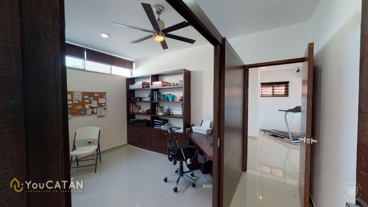 29 de 45: Estudio/Oficina en cuarto principal