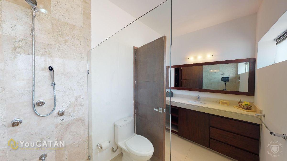 39 de 45: Baño Vestidor de recámara 2