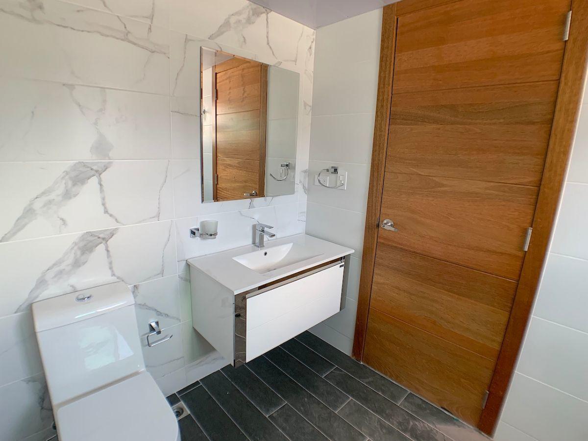 13 de 20: Baño habitación principal otra vista