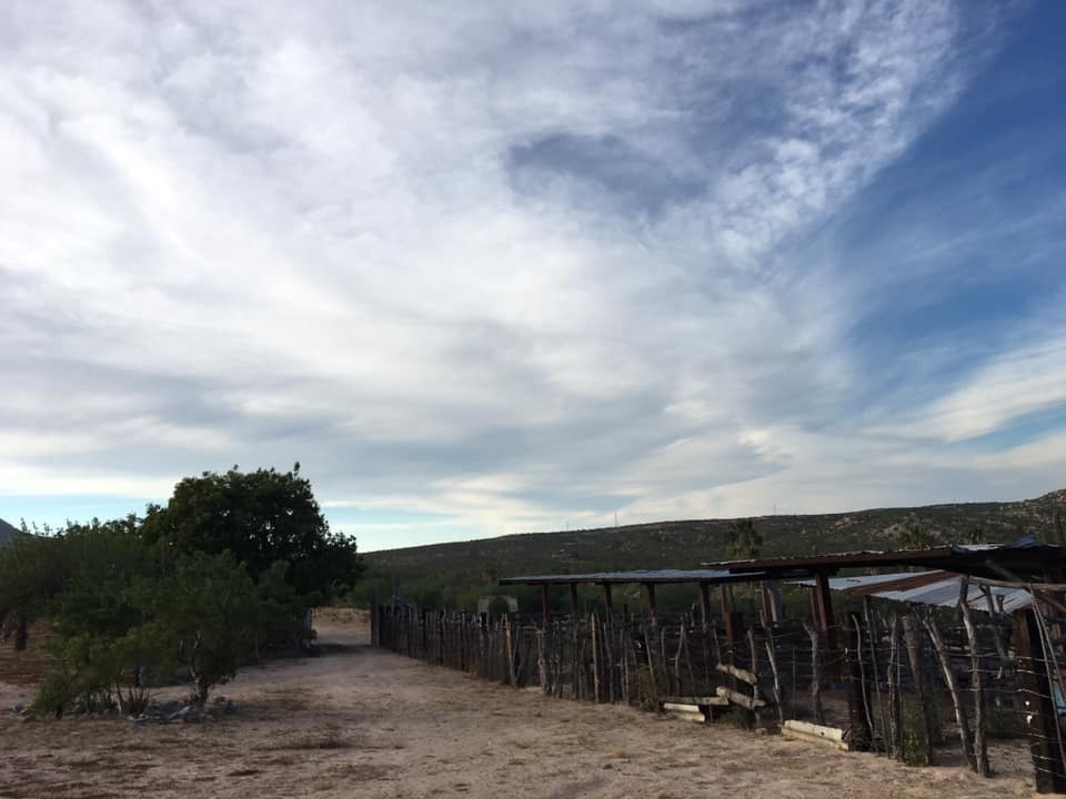 4 de 22: Entrada a rancho y corrales