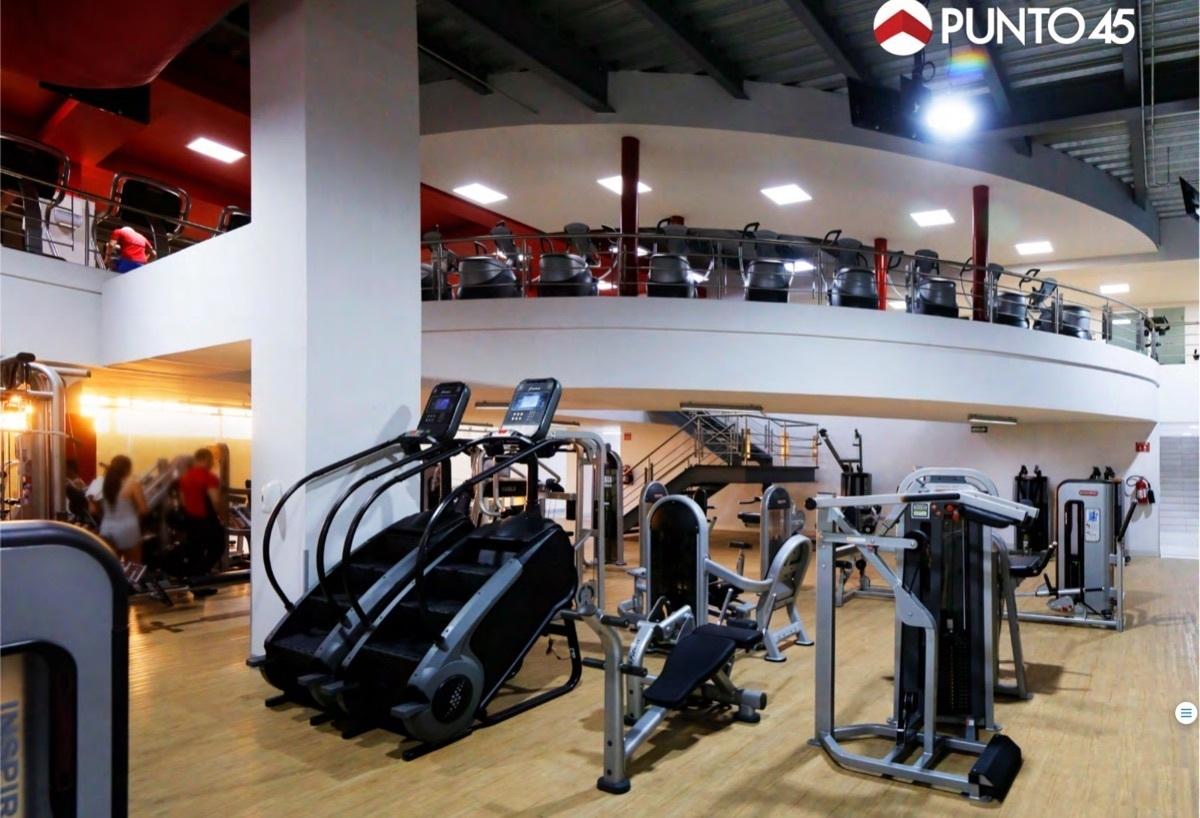 30 de 40: Aparatos del Gym.
