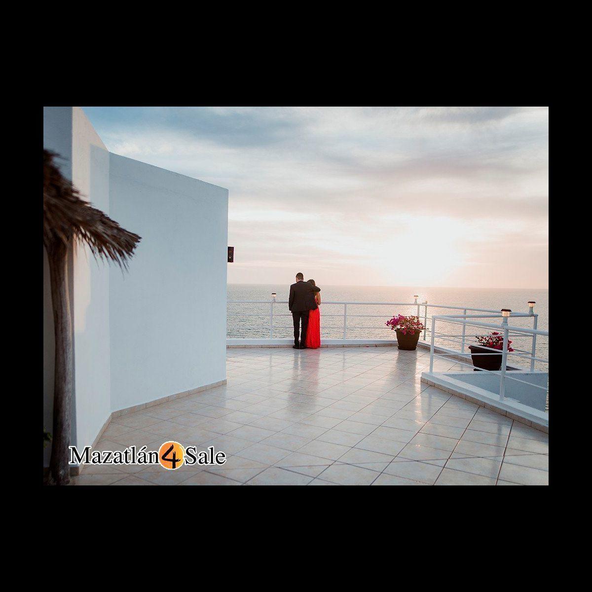 25 de 25: Vista al mar de Terraza con cocina y barra