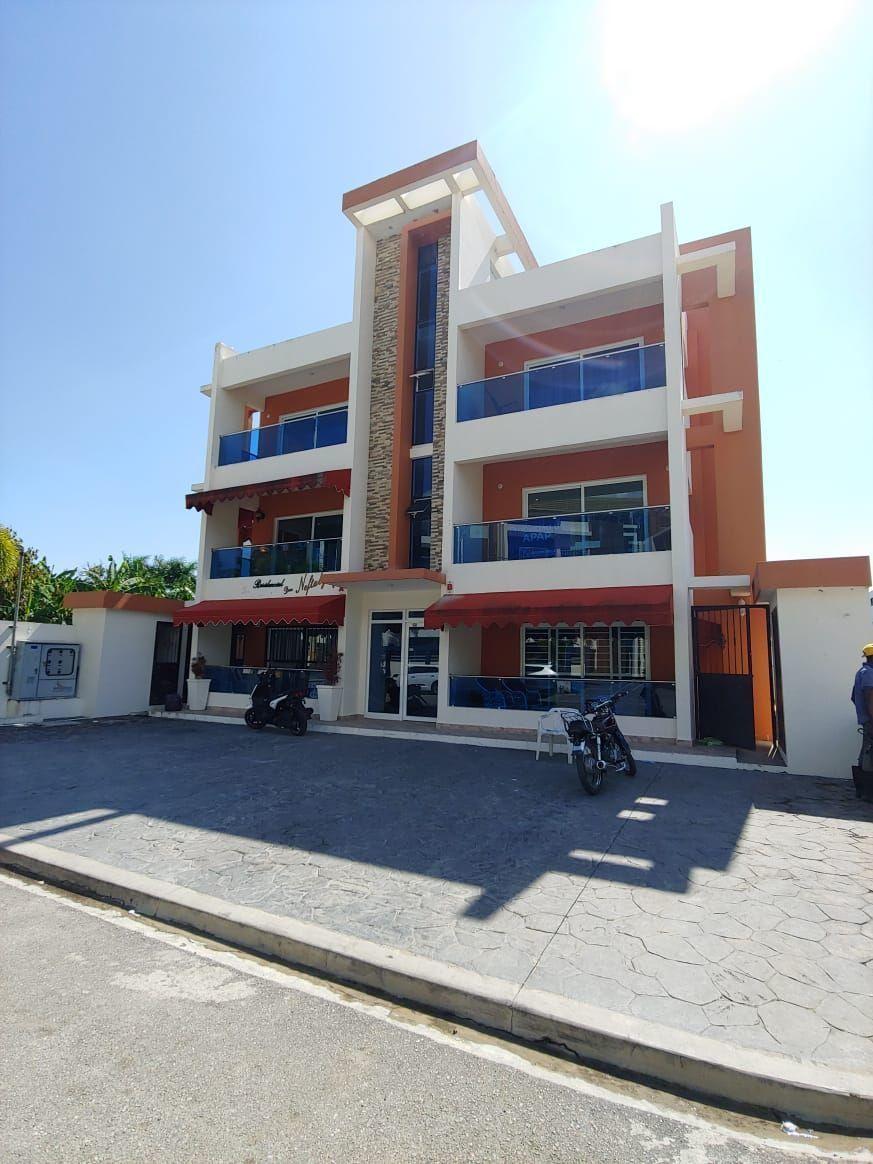Amplio apartamento en Urb. Neftaly 3image1