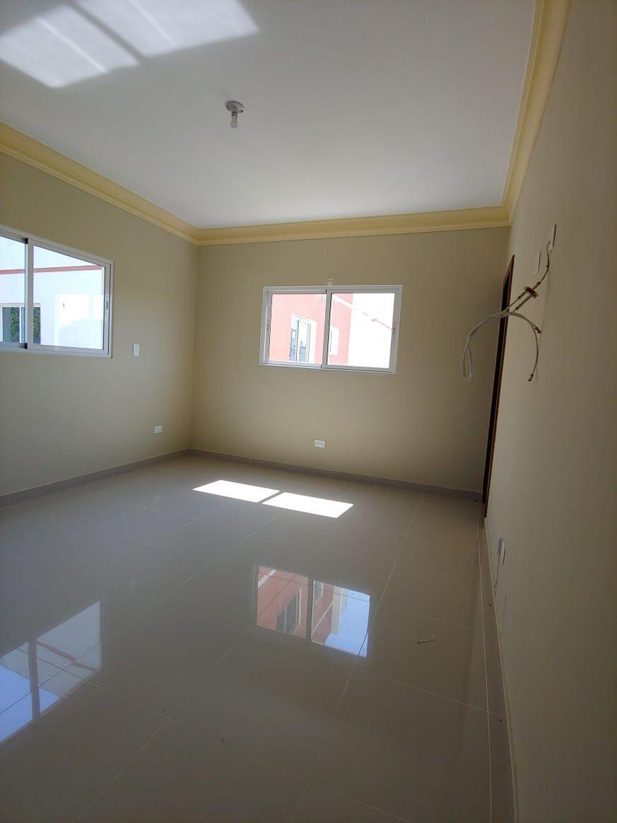 Amplio apartamento en Urb. Neftaly 3image5