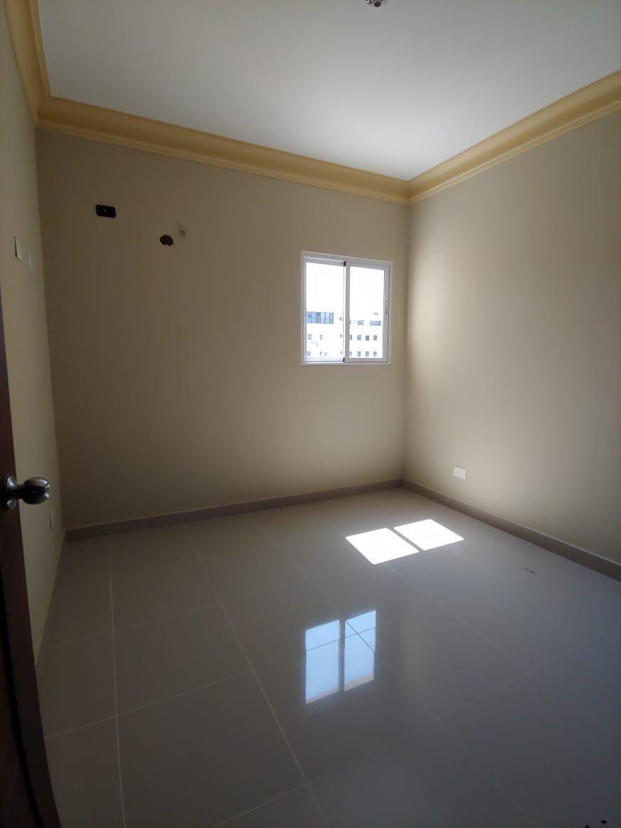 Amplio apartamento en Urb. Neftaly 3image9