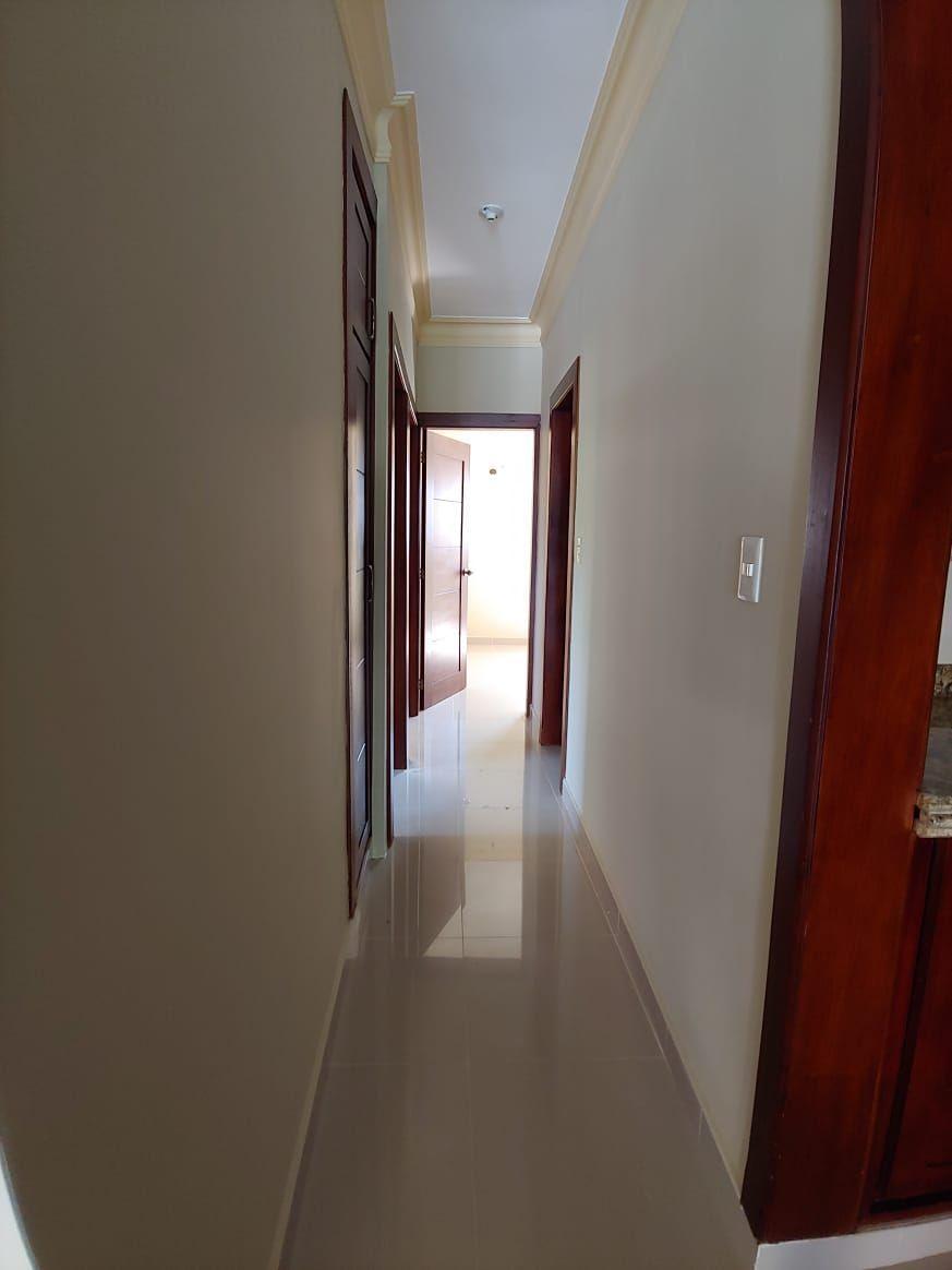 Amplio apartamento en Urb. Neftaly 3image6