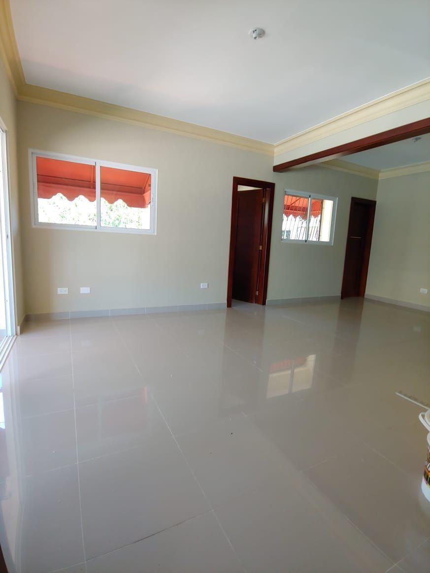 Amplio apartamento en Urb. Neftaly 3image10
