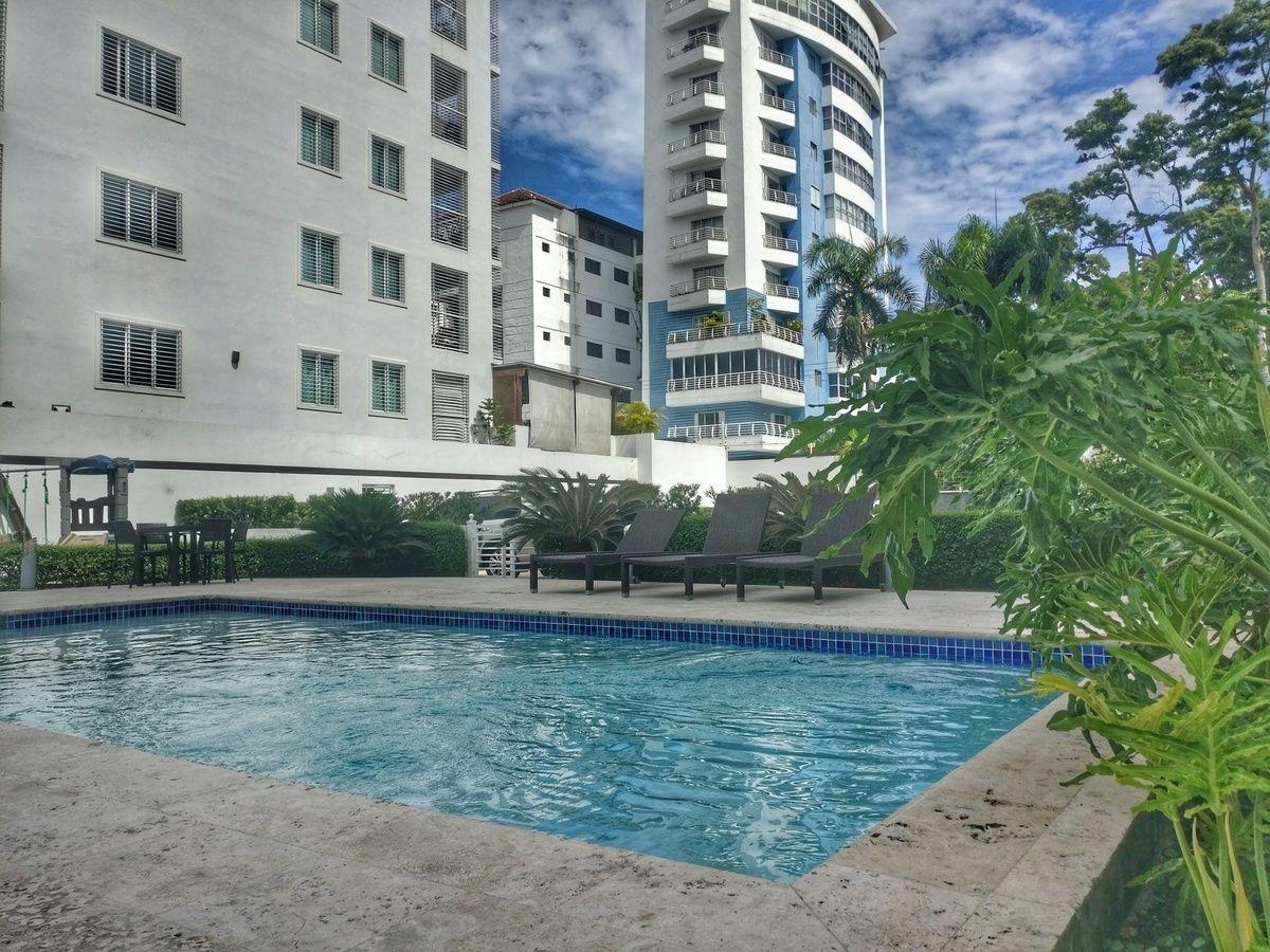 2 de 17: Area social con piscina