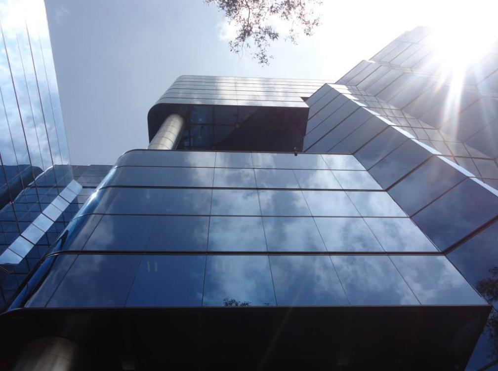 1 de 5: Edificio corporativo