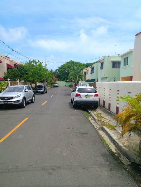 3 de 24: Calle A del sector Nordesa III, a la altura del Km. 9.