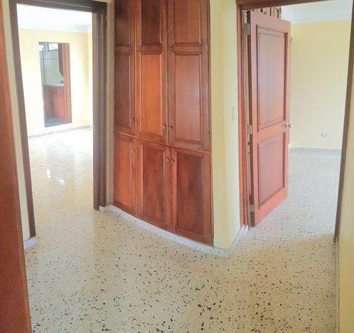 15 de 24: Vista hacia las habitaciones del segundo nivel.