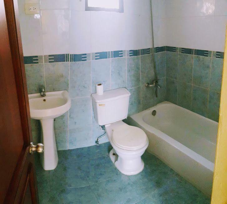 23 de 24: Baño habitación 1.