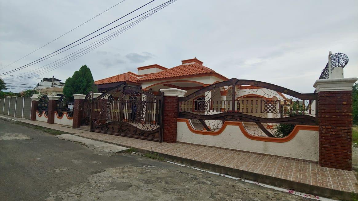 Amplia Casa en Caperuza 2image1