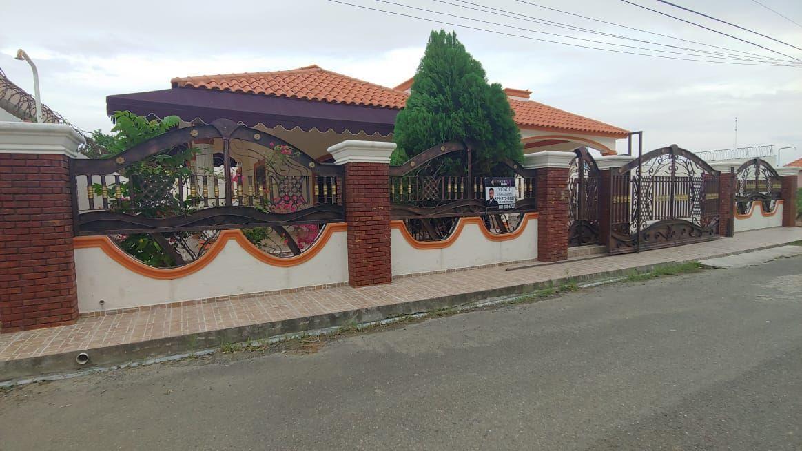 Amplia Casa en Caperuza 2image2