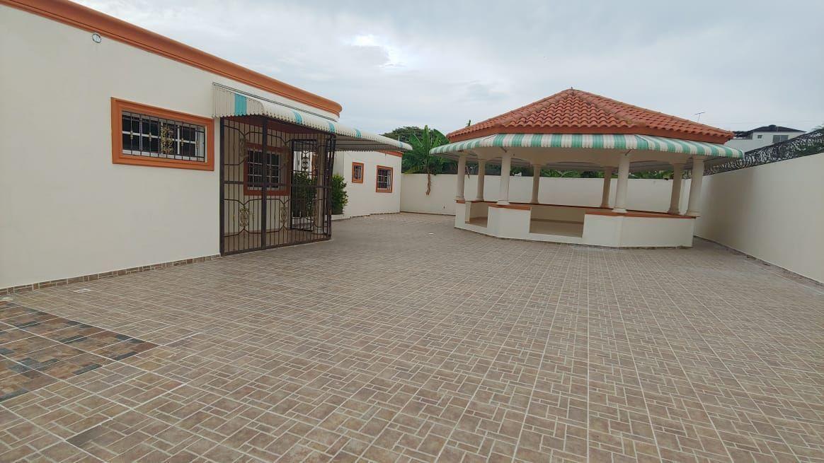 Amplia Casa en Caperuza 2image10