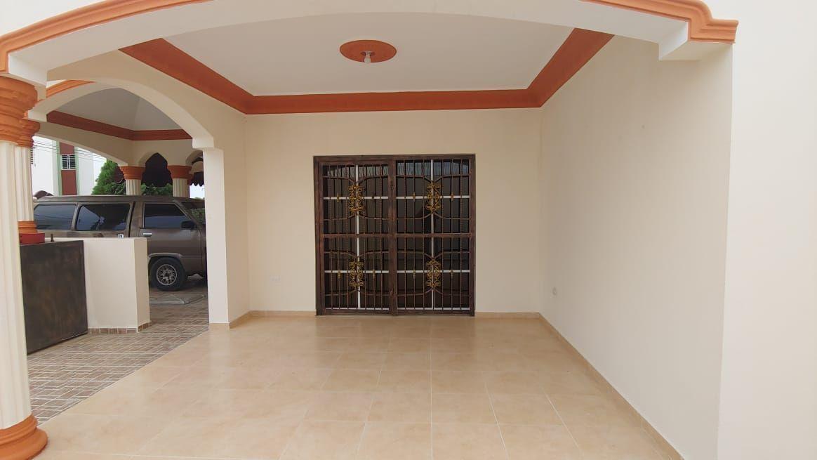 Amplia Casa en Caperuza 2image16