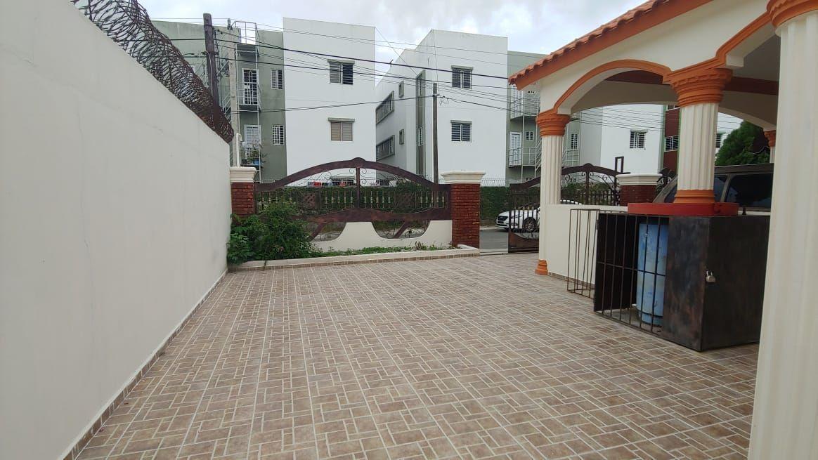 Amplia Casa en Caperuza 2image17