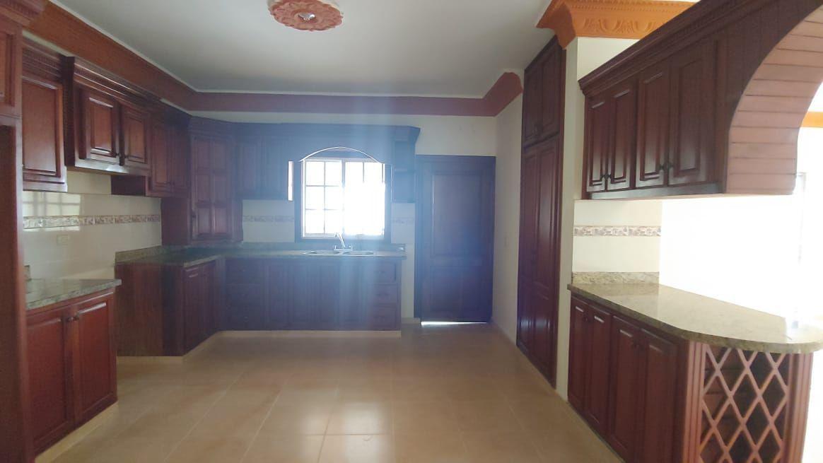Amplia Casa en Caperuza 2image8