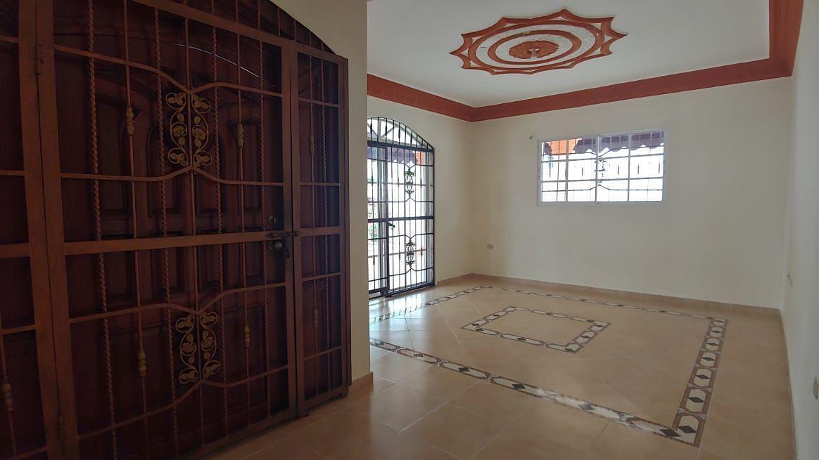 Amplia Casa en Caperuza 2image19