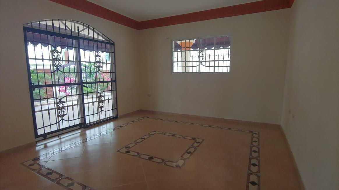 Amplia Casa en Caperuza 2image21
