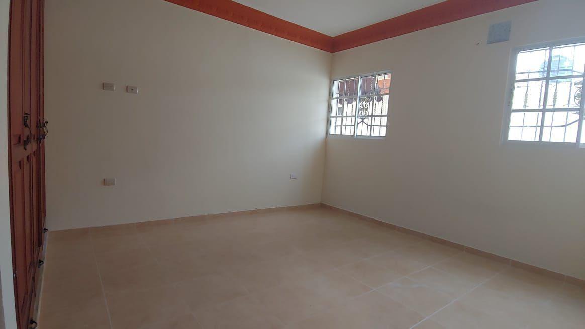Amplia Casa en Caperuza 2image24