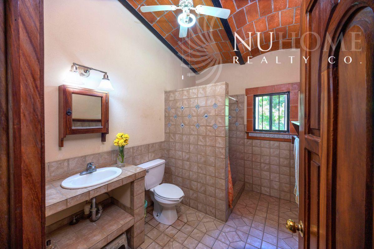 22 de 34: Casa Arbol La Cruz de Huanacaxtle NUHome Realty