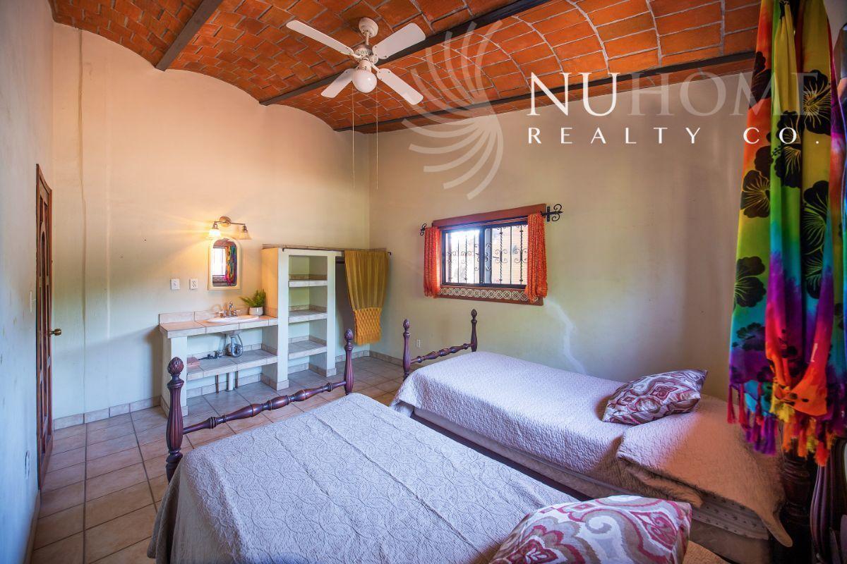 26 de 34: Casa Arbol La Cruz de Huanacaxtle NUHome Realty