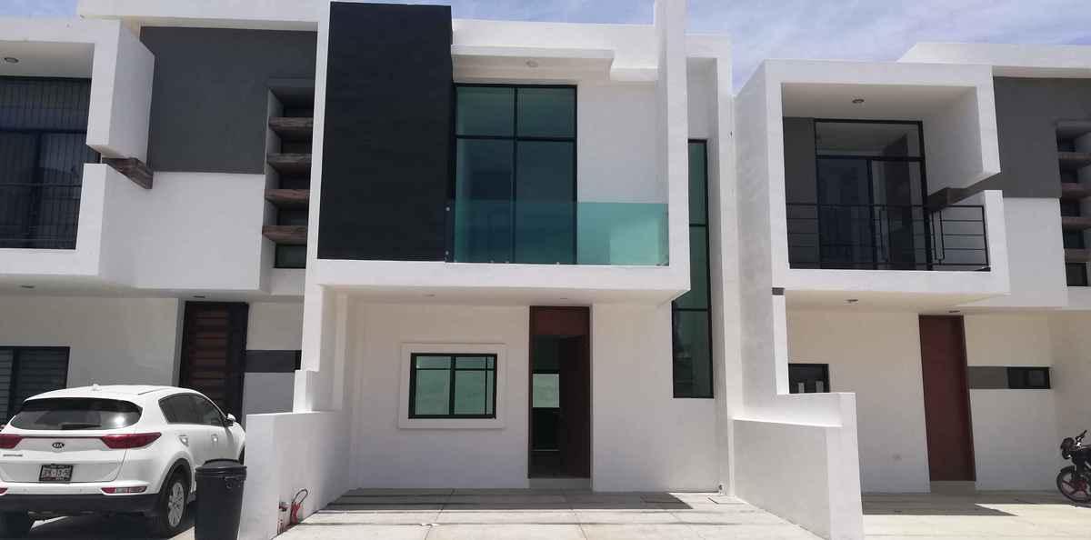1 de 6: fachada, dos modelos de casas