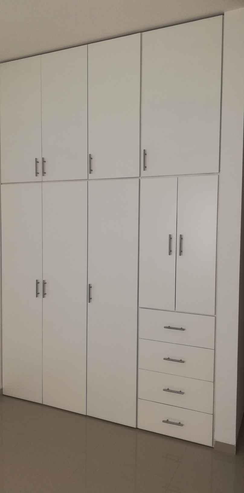 2 de 6: puertas y closets de cedro