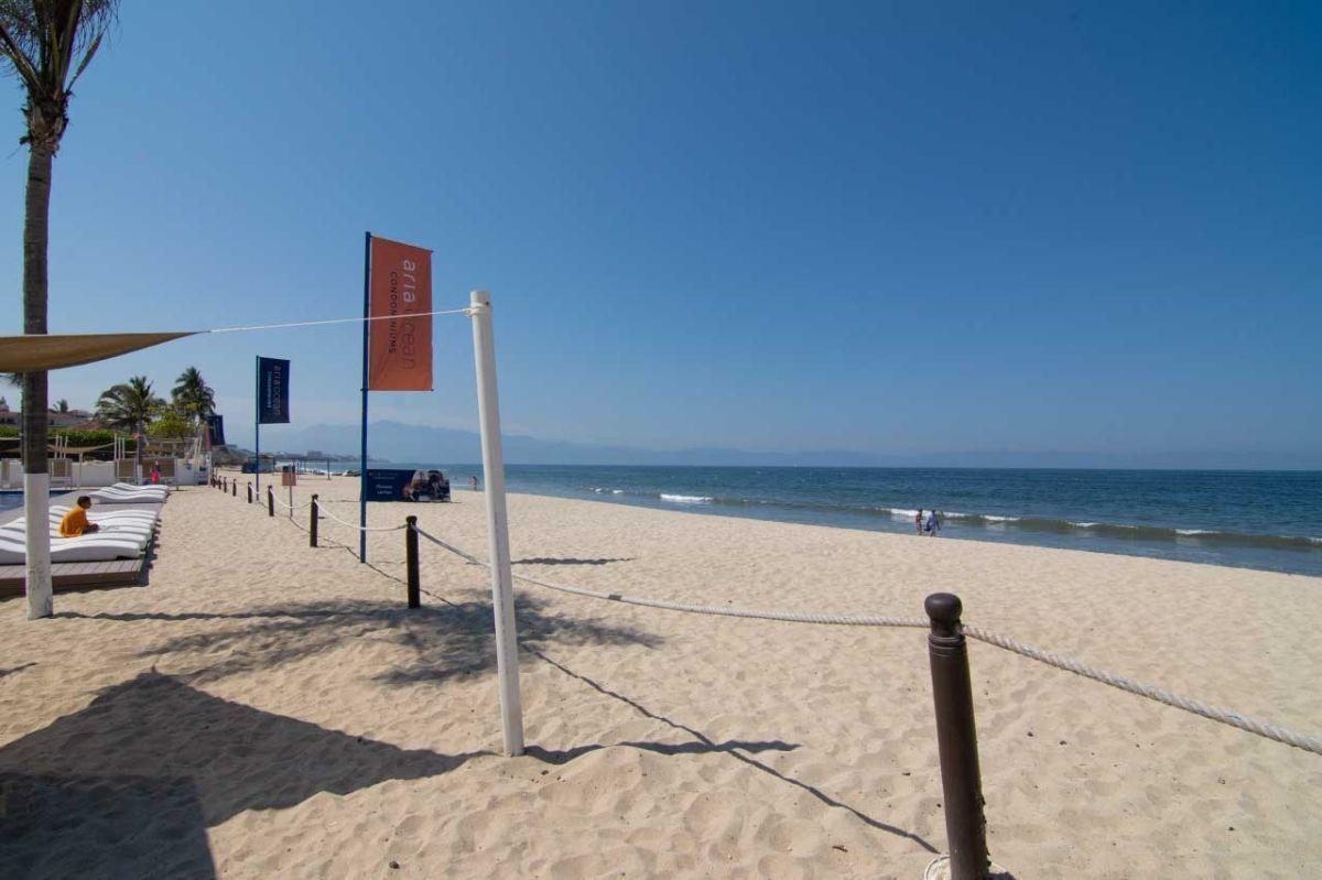 8 de 9: Frente a Playa