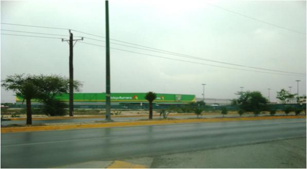 Terreno Comercial Villa de Garcia