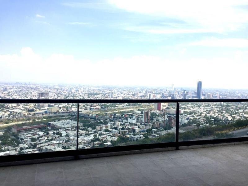 8 de 35: Vista terraza doble altura (frente)