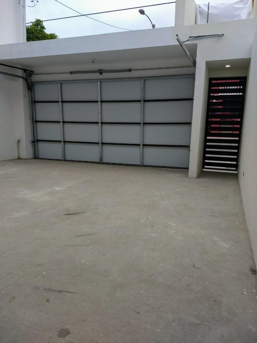3 de 22: Garage