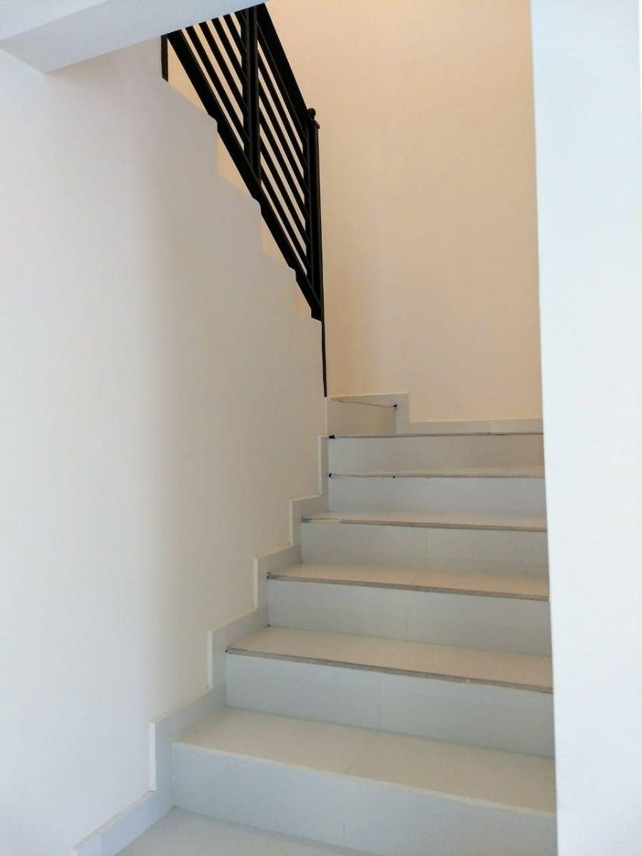 12 de 22: Escaleras