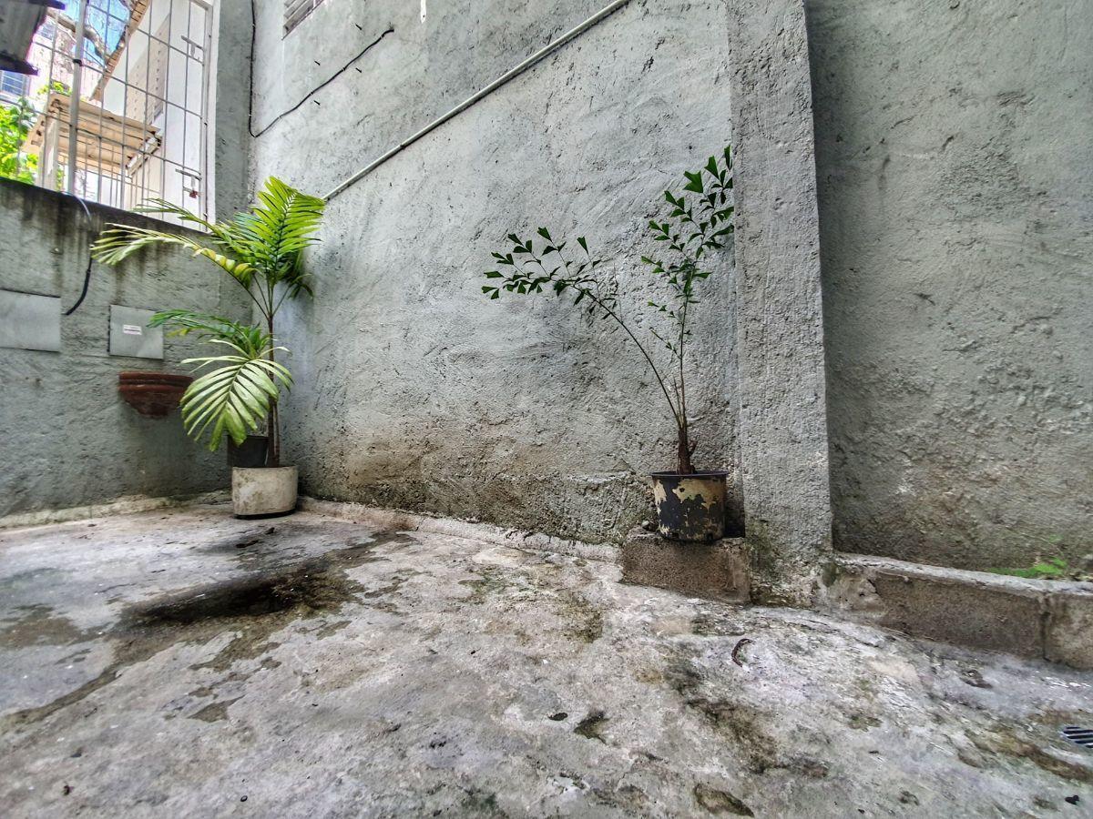 3 de 11: Pequeño patio privado