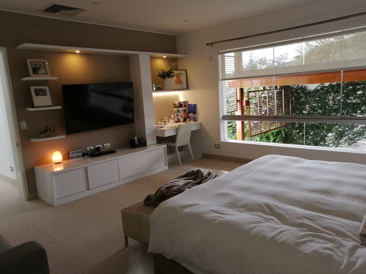 28 de 42: Amplio dormitorio principal