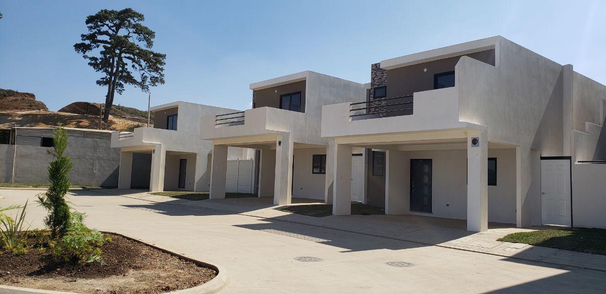 3 de 23: Casas de dos y tres niveles