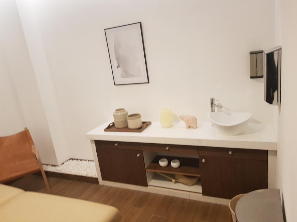 24 de 25: Salón de masajes