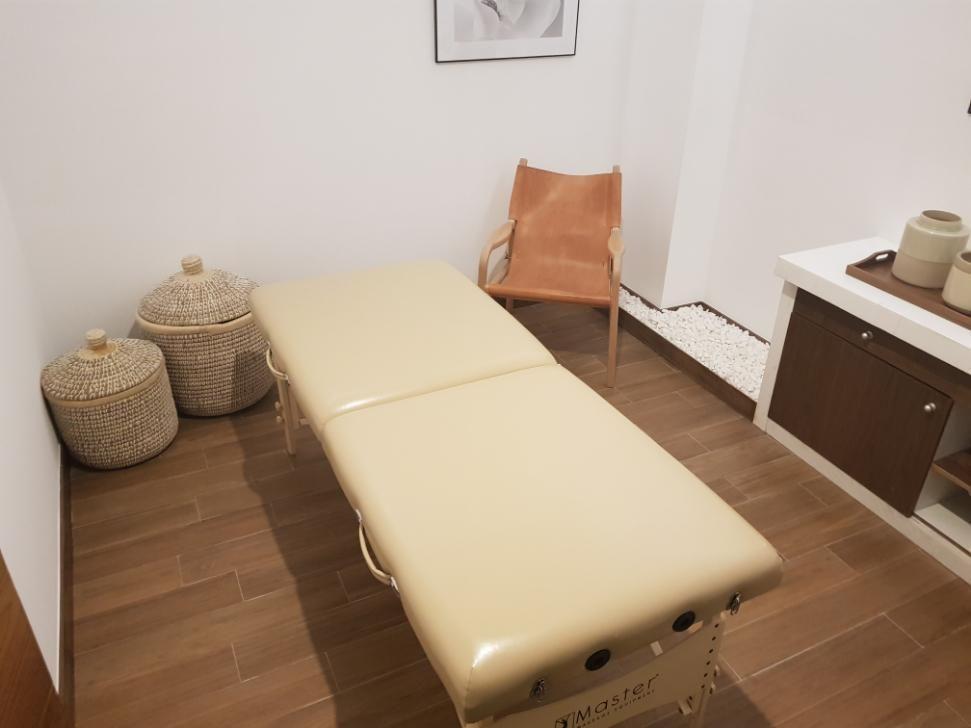 25 de 25: Salón de masajes