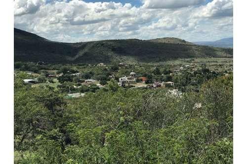 1 of 6: Vista de la comunidad de Estancia de Canal