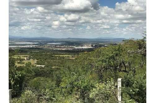 3 of 6: Vista de la ciudad de San Miguel de Allende desde el terreno