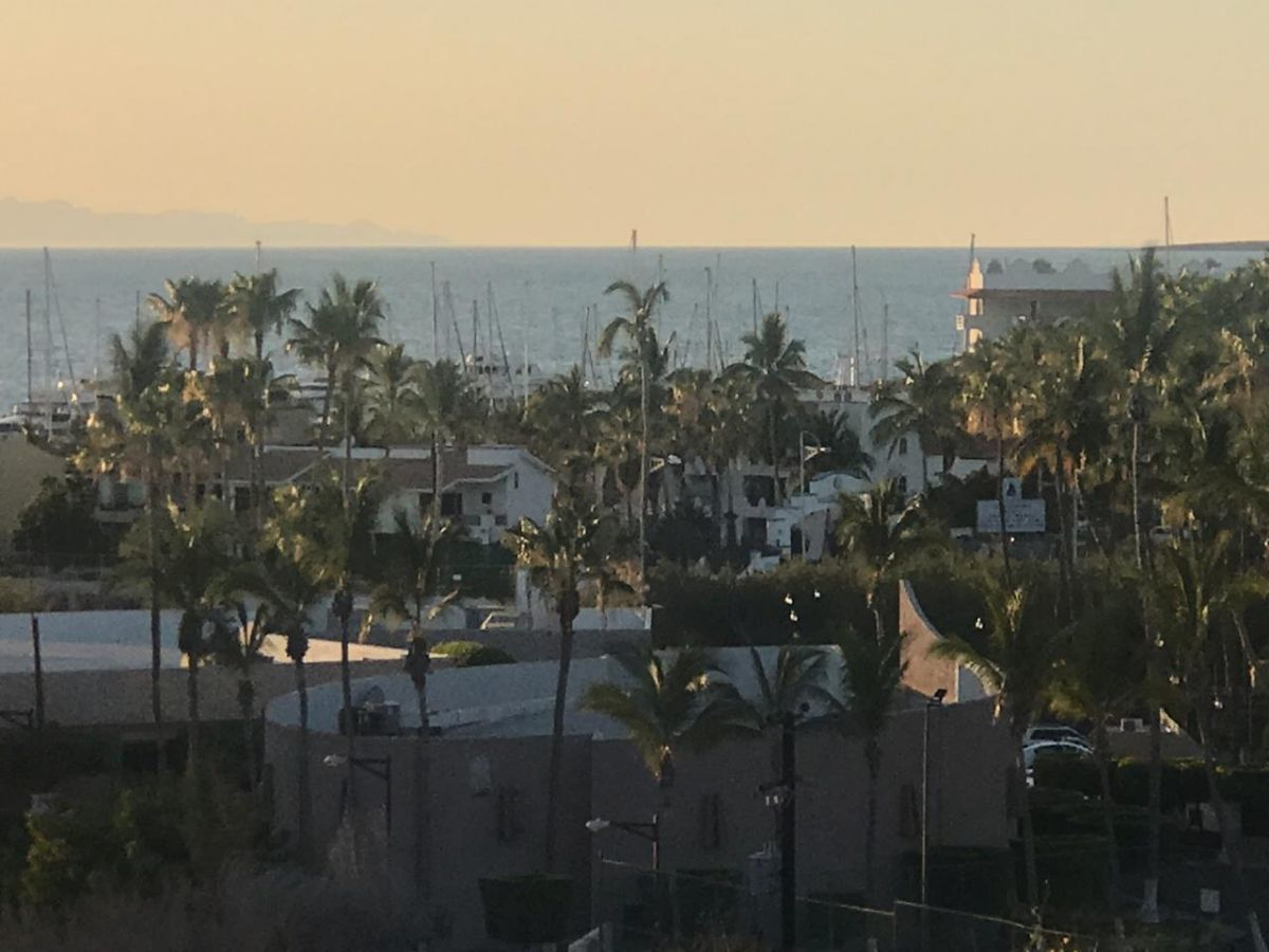 3 de 16: Vista a Hotel Araiza Palmira y Marina Palmira