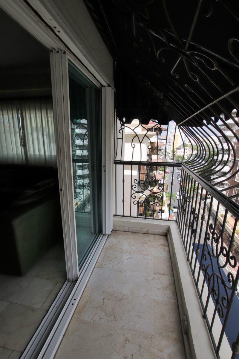 9 de 36: balcon - sala