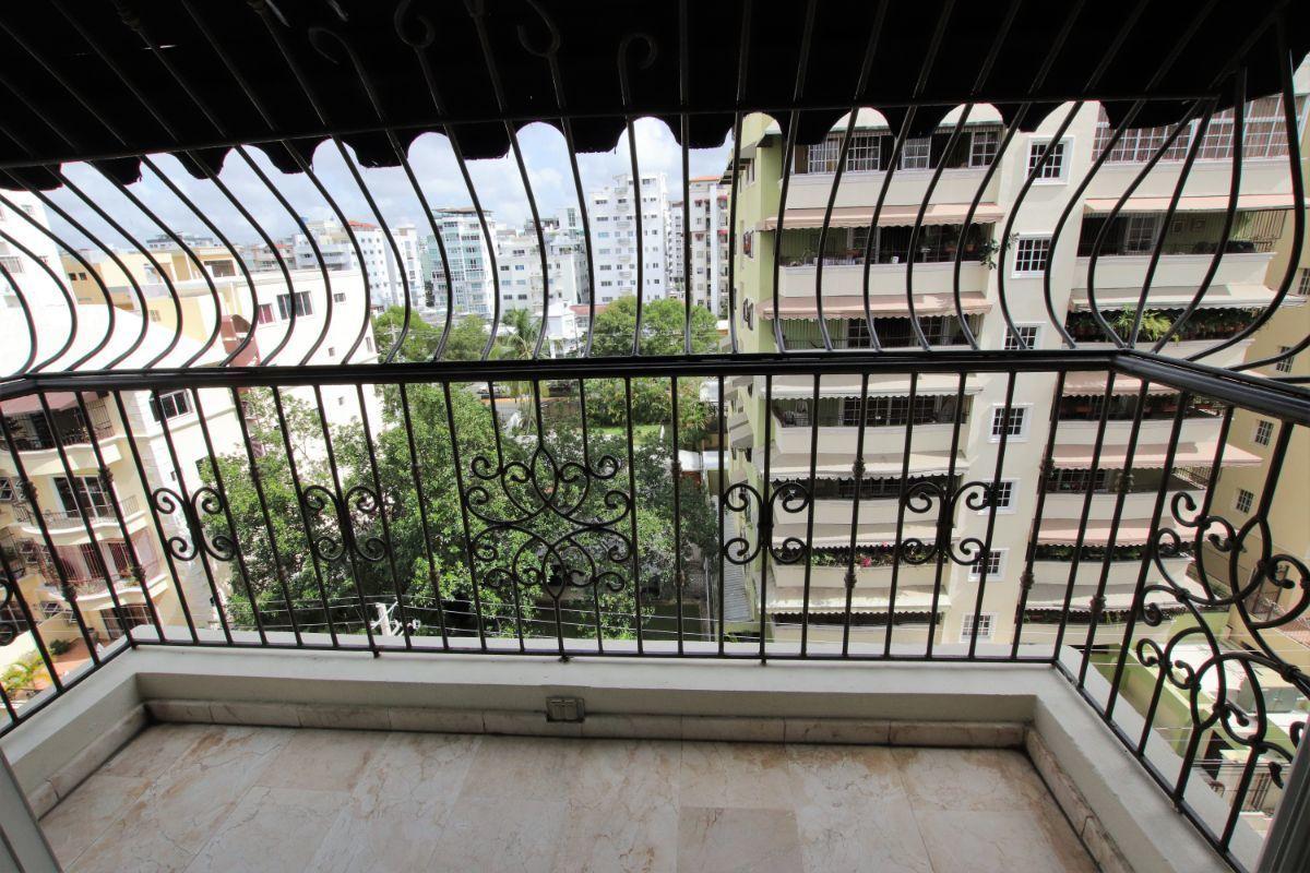 6 de 36: balcon - sala